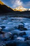 Solnedgång av berget Everest på den Everest basläger Arkivbild