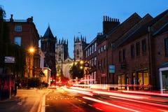 Solnedgång av centrala York, UK, med den York domkyrkadomkyrkan Royaltyfria Bilder