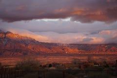 Solnedgång av de Sandia bergen royaltyfri fotografi