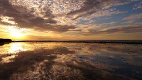 Solnedgång av den Trisel stranden, Exmouth, västra Australien arkivfoto