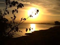 Solnedgång av en peacefulleftermiddag arkivbilder