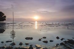 Solnedgång av Pulau Ketam Malaysia royaltyfri fotografi