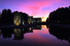 Solnedgång av templo de debod royaltyfri fotografi