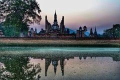 Solnedgång den gamla staden Sukhothai Thailand Arkivfoto