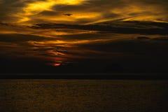 Solnedgång efter ön Arkivfoton