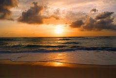 Solnedgång efter stormen Arkivbilder