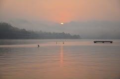 Solnedgång eller soluppgång på den sångKalia floden Royaltyfria Bilder