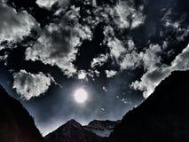 Solnedgång en Lago di Antrona Arkivfoton
