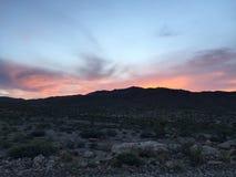 solnedgång för ökendubai dyner Royaltyfria Foton