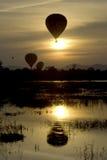 solnedgång för 3 ballong Arkivbild