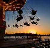 Solnedgång för Amusementpark tivoligrönalund royaltyfri fotografi