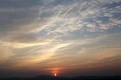 Solnedgång för bakgrund Royaltyfria Bilder