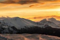 Solnedgång för Balkan berg Arkivfoto