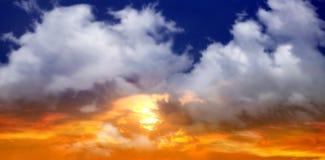 solnedgång för blå sky Fotografering för Bildbyråer