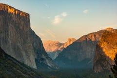 Solnedgång för El Capitan Yosemite Royaltyfri Bild