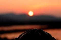 Solnedgång för Hangzhou leifengtorn Arkivfoto