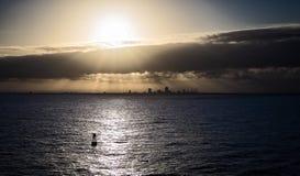 Solnedgång för kryssningskepp Arkivbild