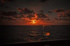 Solnedgång för kryssningskepp Royaltyfria Bilder