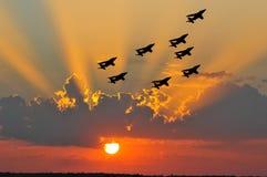 solnedgång för luftshow Arkivbild