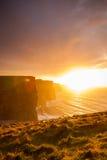solnedgång för moher för clare klippaco ireland Clare Ireland Europe Arkivfoto