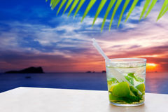 solnedgång för mojito för ibiza för drink för cala conmteconta arkivfoton