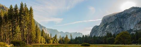 Solnedgång för panoramayosemite nationalpark Arkivbilder