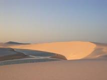 solnedgång för parque för nacional för DOS-lencoismaranhenses Royaltyfria Bilder