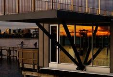 solnedgång för st för strandkildamelbourne reflexioner Arkivbild