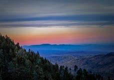 Solnedgång från Mt Lemmon på den Coronado nationalparken, Tucson AZ Arkivbilder