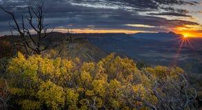 Solnedgång från punktutkik Arkivfoto
