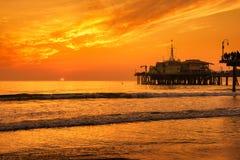 Solnedgång från Santa Monica Pier i Los Angeles Fotografering för Bildbyråer