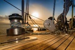 Solnedgång från segelbåten Fotografering för Bildbyråer