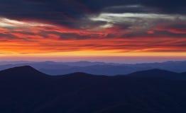 Solnedgång från toppmötet av monteringen Mitchell royaltyfri foto