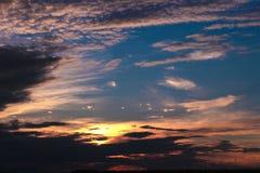 Solnedgång: himmel och moln Royaltyfri Fotografi