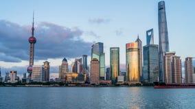 Solnedgång Huangpu River, Shanghai, Kina arkivfilmer