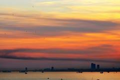 Solnedgång i Ä°stanbul Royaltyfri Bild