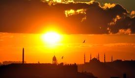 Solnedgång i Ä°stanbul Royaltyfri Fotografi