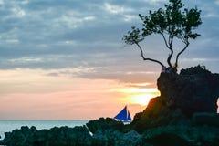 Solnedgång i ön av Boracay, Filippinerna Arkivfoto