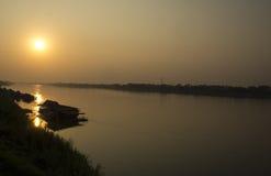 Solnedgång i afton Arkivfoto