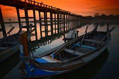 Solnedgång i Amarapura Royaltyfri Bild