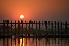 Solnedgång i Amarapura Arkivfoto