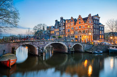 Solnedgång i Amsterdam, Nederländerna Royaltyfri Fotografi