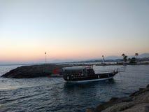 Solnedgång i Antalya Manavgat sidostrand royaltyfri fotografi