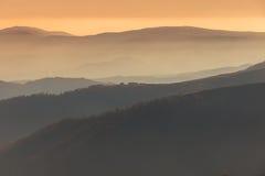 Solnedgång i bergen Royaltyfri Fotografi