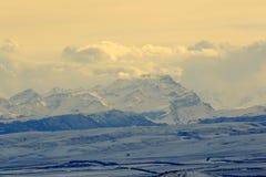 Solnedgång i bergen, nordliga Kaukasus, Pyatigorsk, Ryssland royaltyfria foton