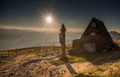 Solnedgång i Bieszczady berg, Polen arkivbilder