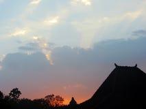 Solnedgång i Borobudur Arkivbilder