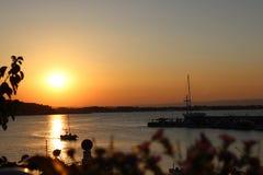 Solnedgång i Bulgarien royaltyfria bilder