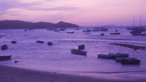 Solnedgång i Buzios Rio de Janeiro Brasilien lager videofilmer