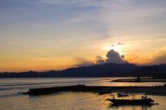 Solnedgång i Candidasa, Bali Royaltyfri Bild